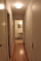 AVANT : du couloir vers la salle de bain