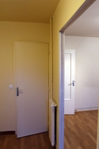 AVANT : cuisine, couloir et séjour cloisonnés