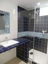NOUVELLE SALLE DE BAIN : TRAVAUX En bleu et blanc c'est plus charmant !