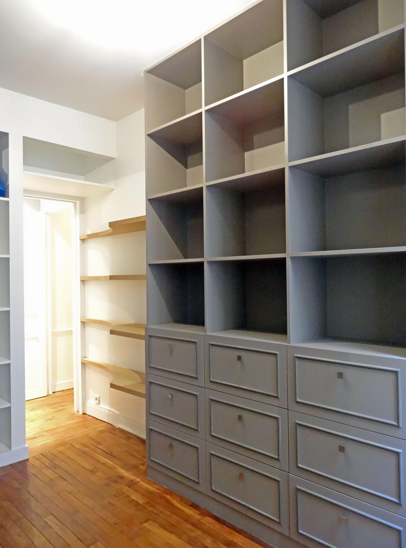 La petite chambre transformée en dressing pour la suite