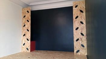 APRES : un cadre de lit-claustra pour filtrer la lumière