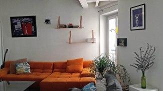 APRES : le canapé retrouve une place d'honneur
