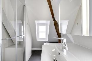 APRES : clarté d'un salle de bain de luxe