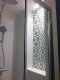 APRES : jeux de lumière dans la nouvelle douche